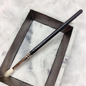 Mac 221 mini tapered eyeshadow blending brush